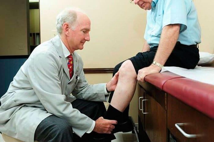 Почему возникают ночные судороги ног у пожилых