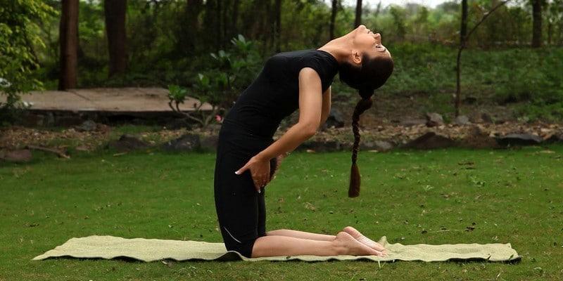 Упражнения при защемлении седалищного нерва